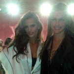 Izabel Goulart and Camila Alves. (Photo: JETSS)