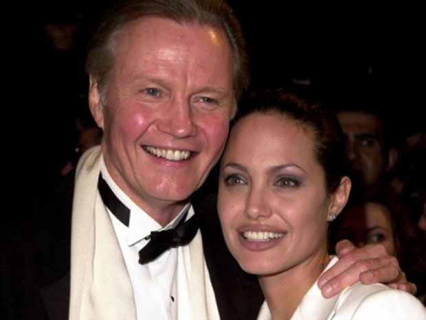 Camila Alves interview Jon Voight, Angelina Jolie'father. (Photo: Stock)