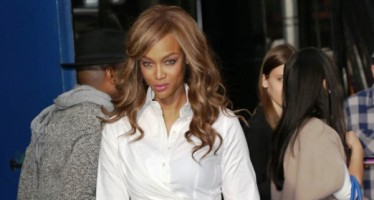 "Tyra Banks speaks about her ""traumatic"" fertility treatments"