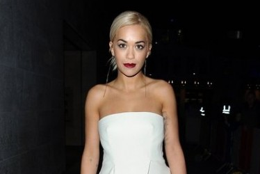 Trendy | A Dress Over Pants? Rita Ora Shows How It's Done
