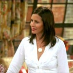 Courtney Cox won the role of Monica on 'Friends' over Leah Remini (Photo: tvguide)
