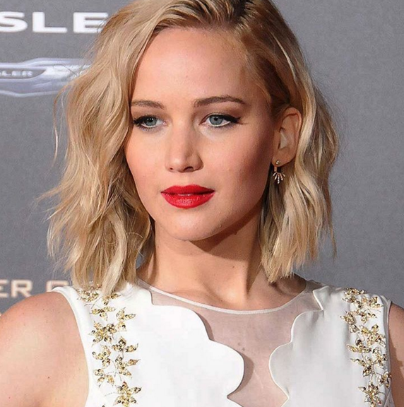 The 25-year-old Hunger Games star commands massive star power and brings in an audience like no  other, but still earns less than male colleagues. (Photo: Instagram, @jenniferlawrencepx)