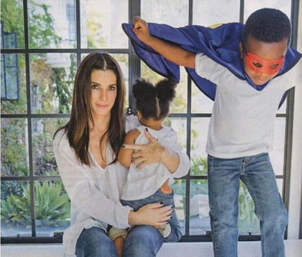 Sandra Bullock is glowing with pride after adopting her second child, daughter Laila. (Photo: Instagram, @tania.bezerra)
