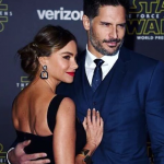 While a movie night for most couples include a stinky couch and cookie crumbs, newly married Joe Manganiello and Sofía Vergara do it right. (Photo: Instagram, @joemanganiello)