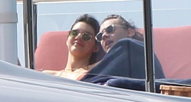 Kendall Jenner shares a kiss with former flame Harry Styles in St. Barts