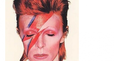 Celebs pay tribute to Bowie