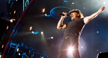 AC/DC halts tour over deafness warning