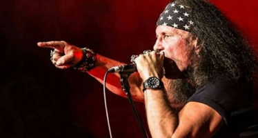 Former AC/DC singer offers cover for Brian Johnson
