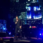 Lionel Richie performed all his hits at the Ginásio do Ibirapuera in São Paulo on Wednesday, March 9. (Photo: JETSS)