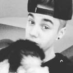 Justin Bieber and his pet capuchin monkey, Mally. (Photo: Instagram, @ohohjustin)