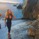 "Q: Can you remind us which celebrity's name Mariah Carey always claims to have ""forgotten?"" (Photo: Instagram, @mariahcarey)"