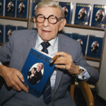 George Burns. (Photo: Archive)