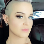 Kelly Osbourne took to Twitter to publish the celebrity stylist's phone number after news of the affair became public. (Photo: Instagram, @kellyosbourne)