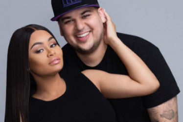 Rob K makes out with Blac Chyna in a cash shower