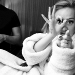 She said the cooked tomatoes are bad for her throat…poor girl! (Photo: @Instagram, @adele)