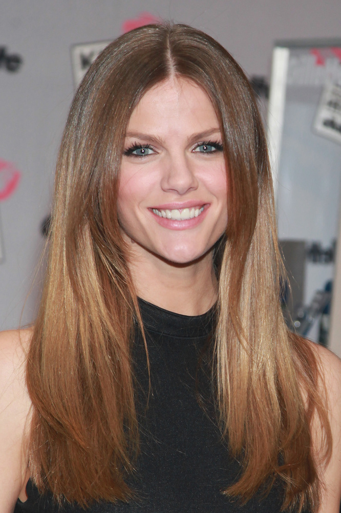 20 Celebs With Surprising Natural Hair Colors Jetss