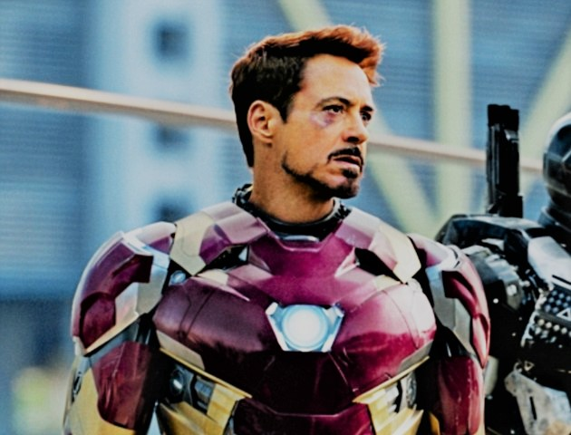 "#25 - Robert Downey Jr. scored a mega-hit with ""Iron Man"" and 2 sequels. (Photo: Twitter/Reproduction)"