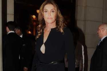 Caitlyn Jenner Schmoozes With First Family, Shunned By Kardashians Despite Pleas