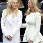 Ivanka and Tiffany Trump at the Lincoln Memorial. (Photo: Twitter/Reproduction)