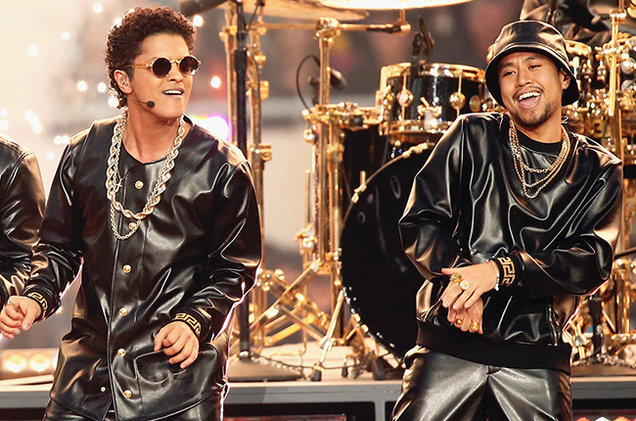 #15 - Bruno Mars and band bringing the house down in 2016. (Photo: Twitter)