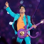 #5 - Prince, and the coolest guitar ever in 2007. (Photo: Twitter)