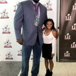 2 stories, or 1? Simone Biles with Shaq. (Photo: Twitter)