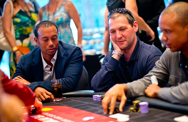 Tiger Woods begins each round of blackjack with his usual $25,000 bet. (Photo: Flickr)
