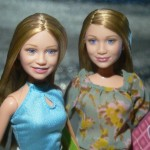 The twins in doll form. (Photo: Flickr)