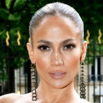 "Jennifer Lopez has been called ""an angel"" for her skin, ""airbrushed without airbrushing."" (Photo: Flickr)"