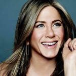 48 year-old Jennifer Aniston has more than one fight on her hands, but manages to look as gorgeous as ever. (Photo: Twitter)