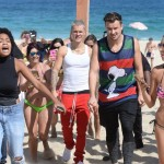 Justin Bieber and pals on the beach in Rio de Janeiro. (Photo: AgNews)