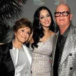 Katy Perry with parents Keith and Mary Hudson. (Photo: Twitter)