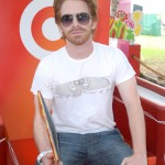 "Seth Green hits his target - even at 5'3"". (Photo: Twitter)"