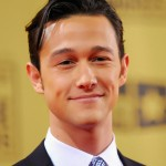 Joseph Gordon Levitt learned French for the sole reason that he is a bit of a France-fanatic. He was inspired to learn the language while in college, but had to give it up to focus on acting. Still, the handsome Joseph tries to speak the language as often as he can. (Photo: Archive)
