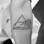 Joe Jonas' Hand in Triangle (Photo: Instagram)