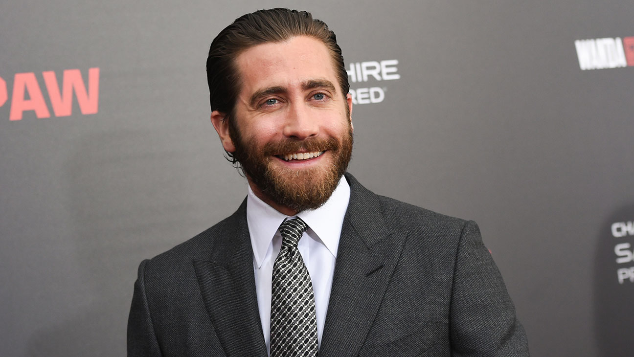"""Jake Gyllenhaal has expressed his frustration that people seem to look at their phones more than they engage with people. """"We're looking down. No one is looking up,"""" he said. (Photo: Archive)"""