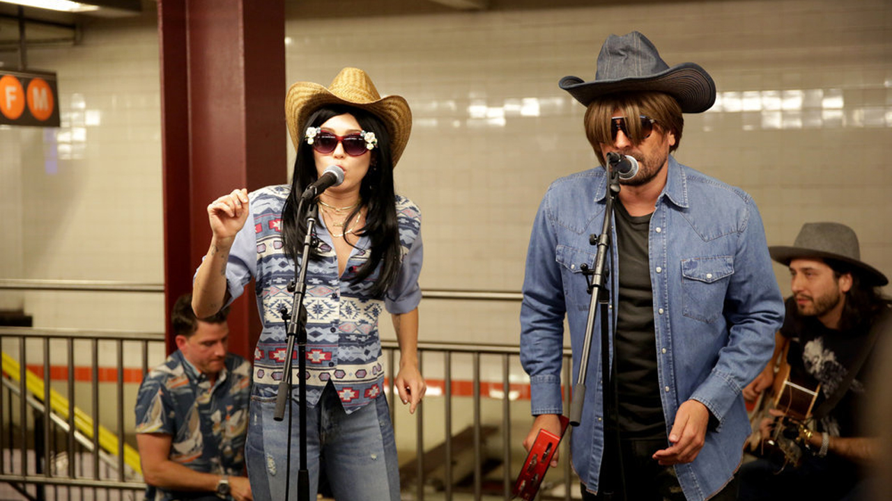 Miley Cyrus gave a subway performance on Wednesday dressed up as a country singer. (Photo: Instagram)