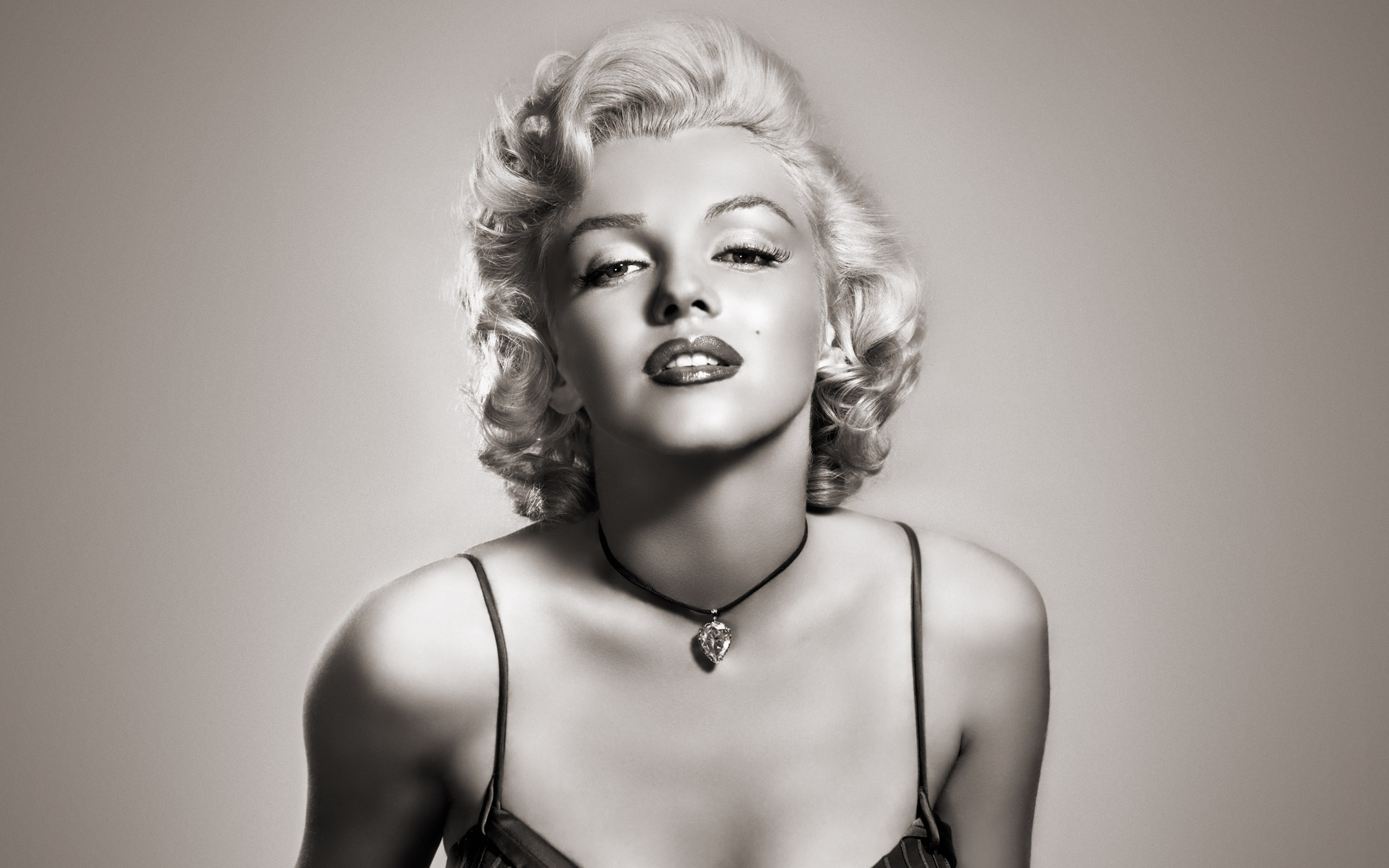 The 10 Most Iconic Moments Of Marilyn Monroe