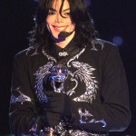Michael Jackson receiving the Millennium Award in 2000. (Photo: Archive)