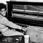 A young Michael playing the piano in 1971, in Los Angeles, California. (Photo: Archive)
