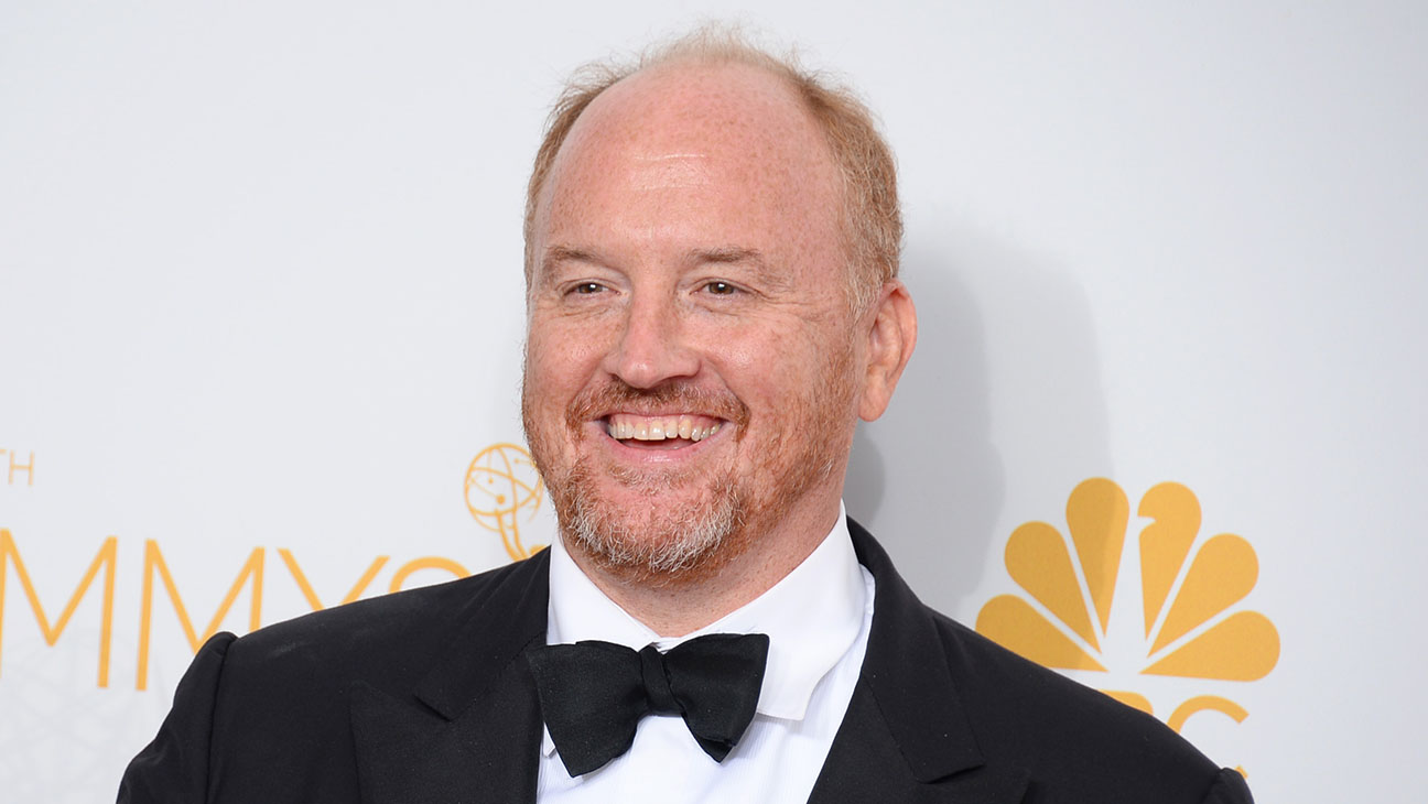 """Louis C.K. sworn off the internet since 2016, and he has no plans of stopping. He even talks about it on his shows: """"Don't text or twitter during the show. Just live your life. Don't keep telling people what you're doing […] Also, it lights up your big dumb face."""" (Photo: Archive)"""