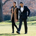 Walking with Obama after returning from vacationing in Hawaii. (Photo: Archive)