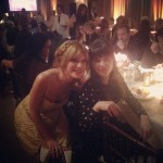 Bella Thorne took a picture with one of her favorite actresses, Zooey Deschanel. (Photo: Archive)