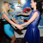 Katy Perry met her idol, Britney Spears at the premiere of the movie Smurfs. (Photo: Archive)