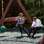 Obama talks with his daughter Malia on the swing set outside the Oval Office. (Photo: Archive)