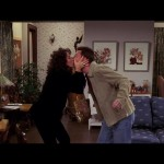 When she passionately kisses Chandler for the last time! (Photo: Archive)