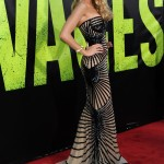 In a Zuhair Murad for the L.A. premier of Savages. (Photo: Archive)