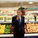 President Barack Obama eats a nectarine following a town hall meeting. (Photo: Archive)
