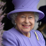 Queen Elizabeth II in lilac. (Photo: Archive)