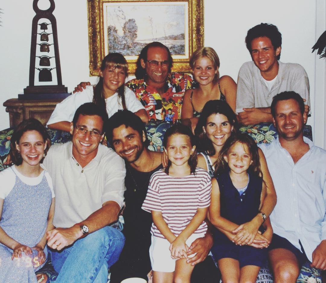 It's been 30 years since the premier of Full House, but they never stopped being a family! (Photo: Instagram)